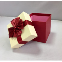 Подарочная коробка 046 К бело-бордовая