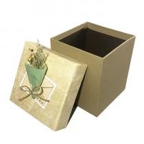 Подарочная упаковка с букетом, бежевая